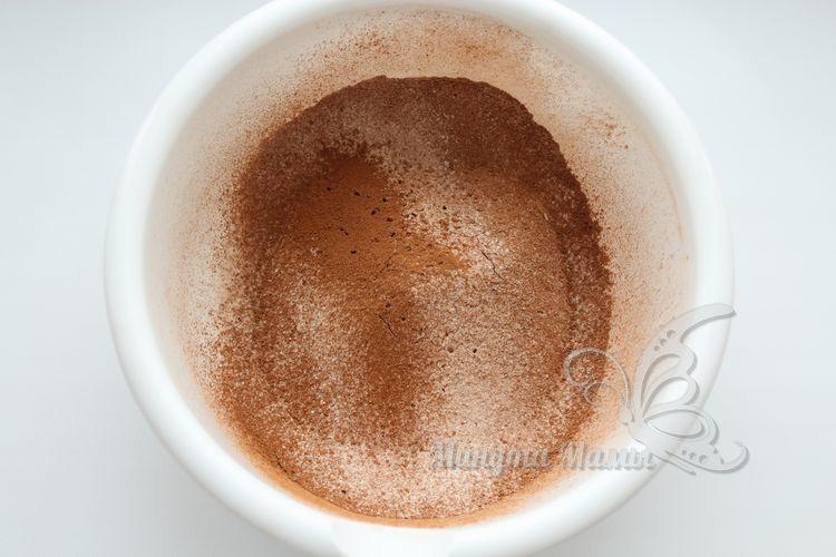Дополняем смесь какао-порошком