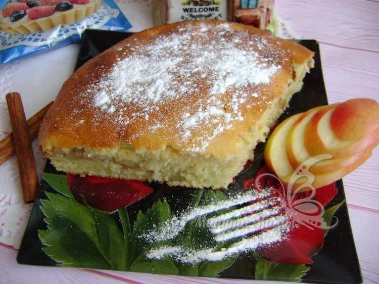 Яблочный пирог на сметане вкуснее шарлотки, а готовить легче – рецепт с фото пошагово