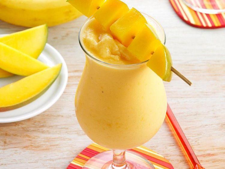 Коктейль из йогурта с манго