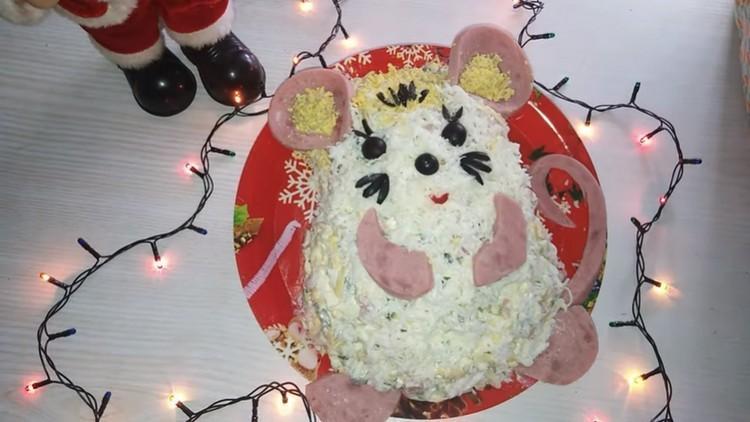 салат к Новому году в виде Крысы