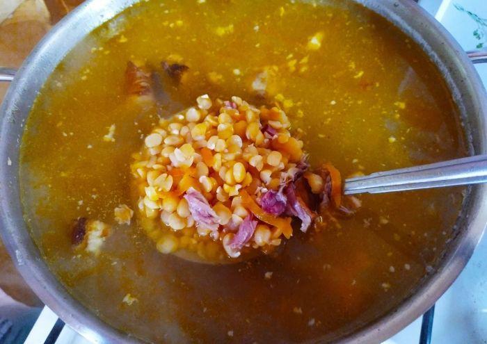 горох в супе