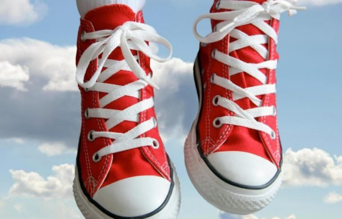 как завязывать шнурки на кроссовках