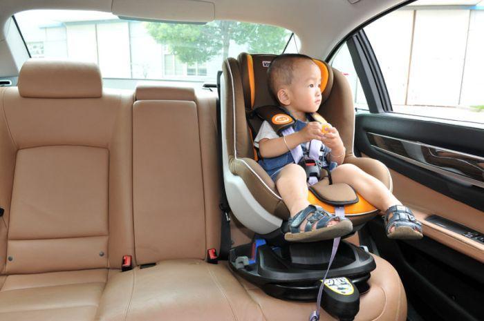 перевозка детей в автомобиле без кресла