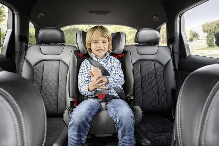самое безопасное место в машине для ребенка