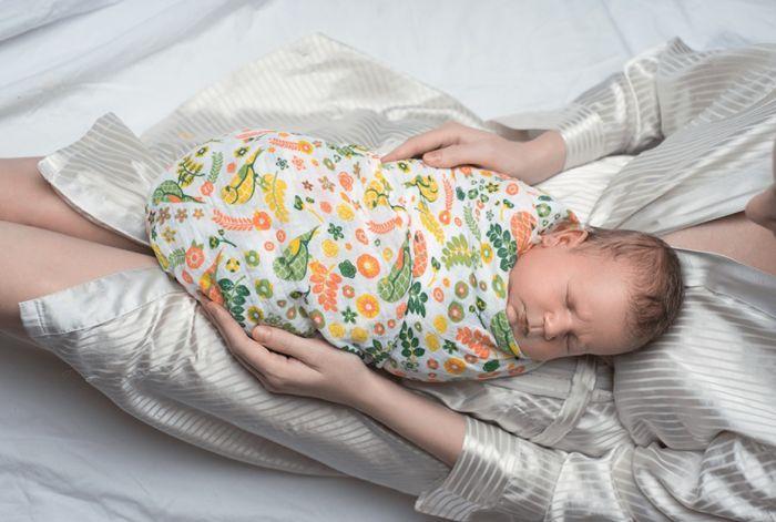 зачем пеленать новорожденных
