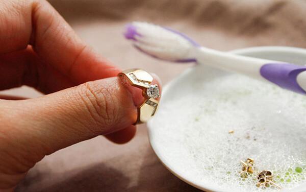 Как почистить золото с матовой поверхностью