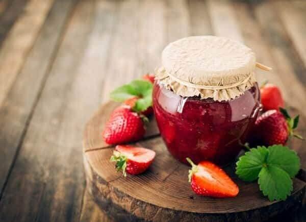 Клубничное варенье Пятиминутка с целыми ягодами
