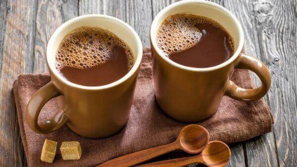 Можно ли какао кормящей маме в первый месяц
