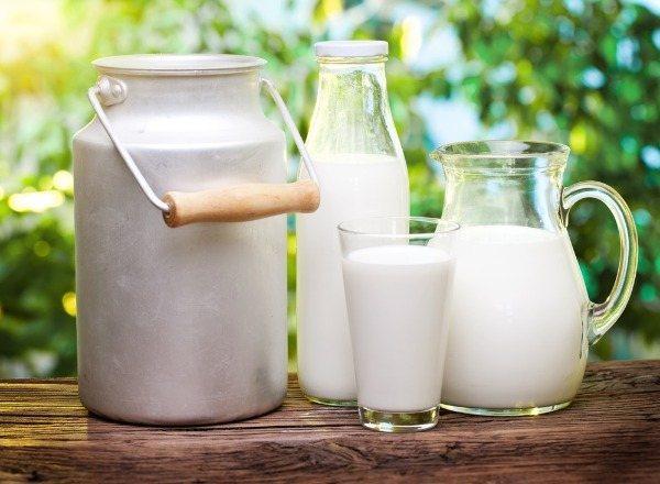 Употребление молока при кормлении грудью ребенка