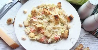 Салат «Цезарь» рецепт с курицей, сухариками и пекинской капустой в домашних условиях, рецепт с фото