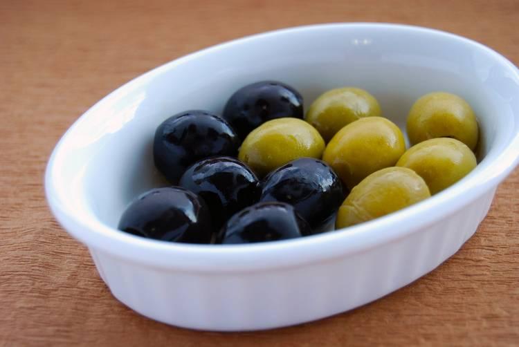оливки и маслины при гв