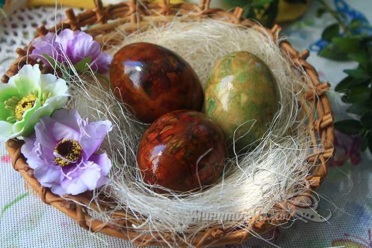 Мраморные яйца на Пасху в луковой шелухе и зеленке, фото, пошаговые рецепты