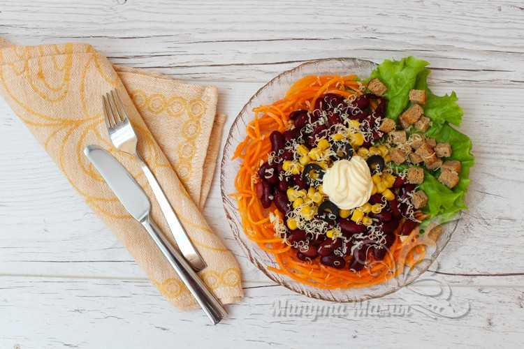 Салат «Палочка-выручалочка» из фасоли и сухариков – пошаговый рецепт с фото