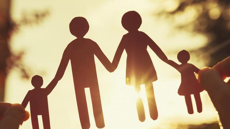 Бумажный шаблон семьи