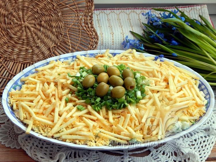 Салат «Гнездо глухаря» с курицей – классический, простой рецепт с фото, пошагово