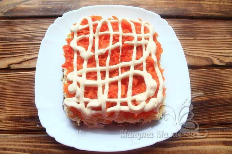 Вареная морковь с майонезом