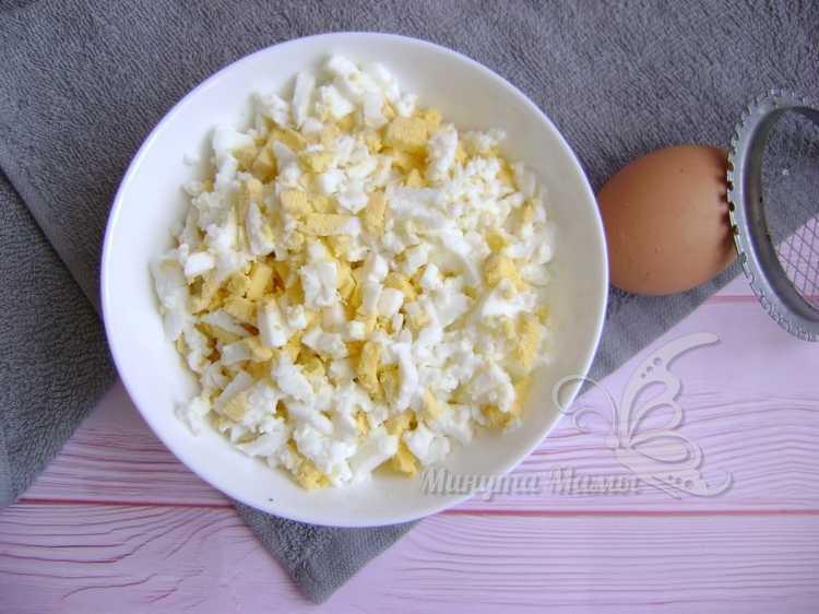 яйца измельчить