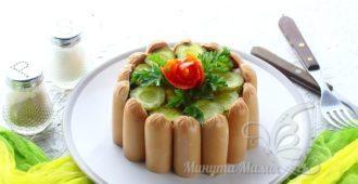 Оригинальный картофельный салат с солеными огурцами и луком