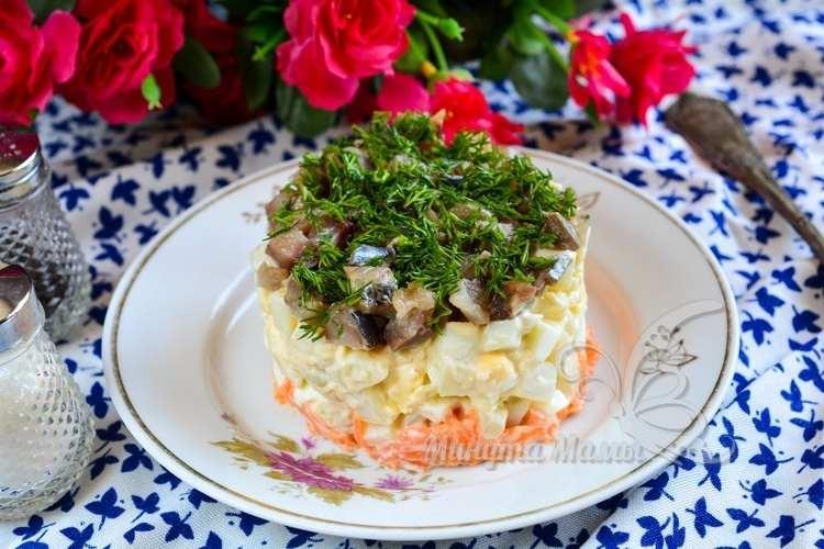 Фото-рецепт салата из селедки с картошкой