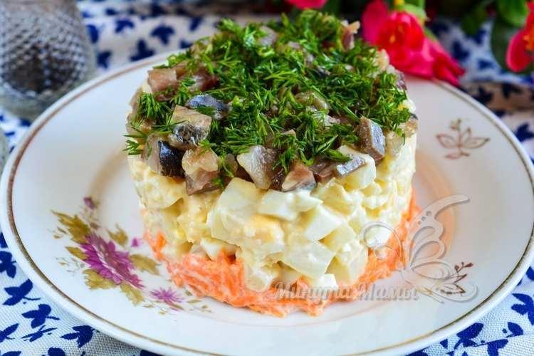 Пошаговый рецепт с фото салата из селедки