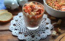 Салат с ветчиной, морковью по-корейски и кукурузой