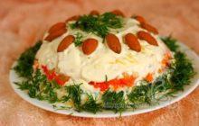 Салат с куриными сердечками и солеными огурцами