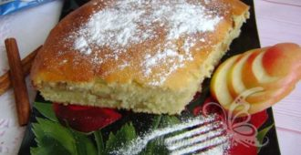Яблочный пирог на сметане - вкуснее шарлотки, а готовить легче