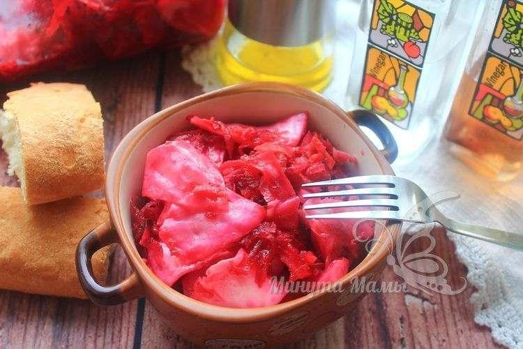 Рецепт с фото маринованной капусты со свёклой квадратиками