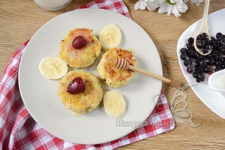 Рецепт с фото пышных сырников из творога с овсянкой, как в садике