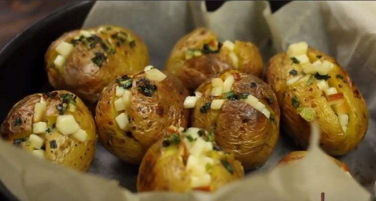 Картошка в мундире с начинкой