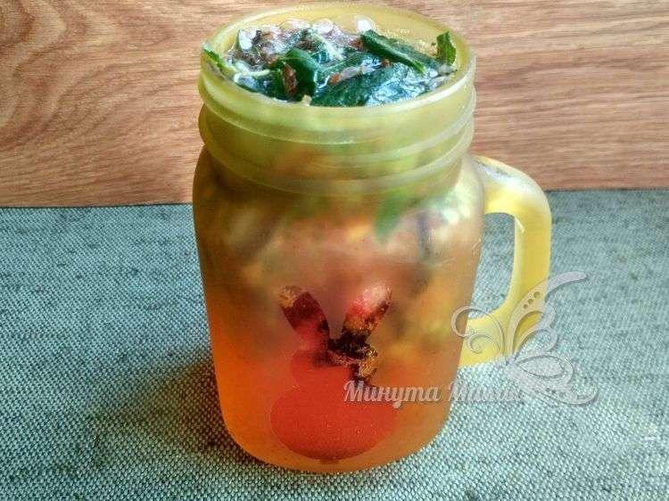 Фото-рецепт мохито из черной смородины и мяты