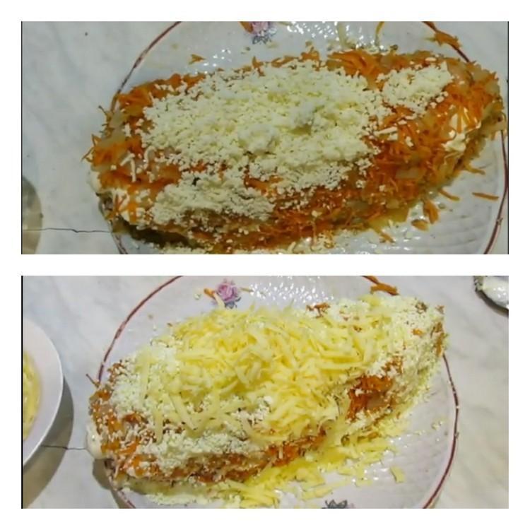 Посыпают морковью с луком, яйцом и сыром
