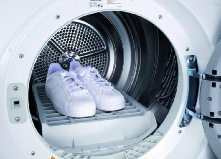 Как правильно стирать кроссовки вручную