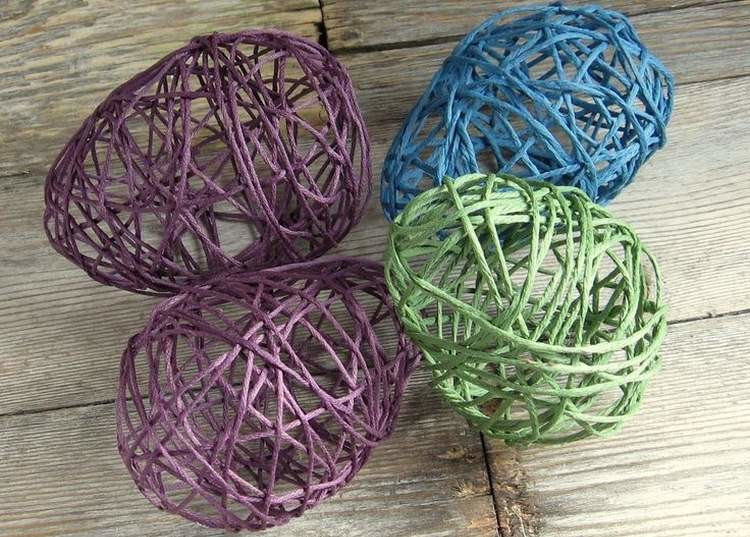 яйца из швейных ниток