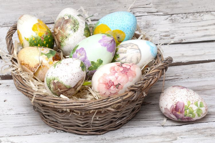 яйца к Пасхе в технике декупаж
