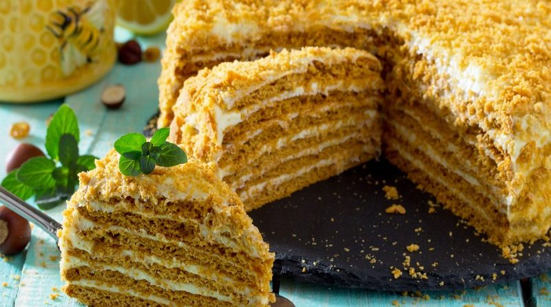 Торт Медовик со сметаной