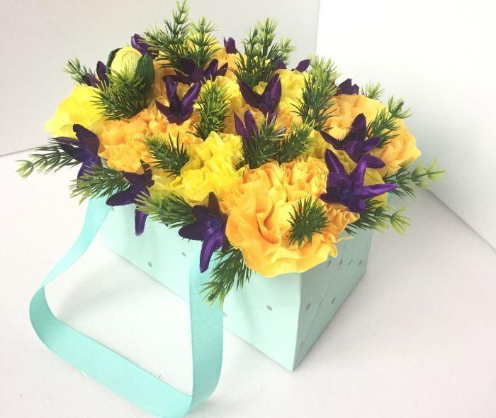 желтые цветы в пакете