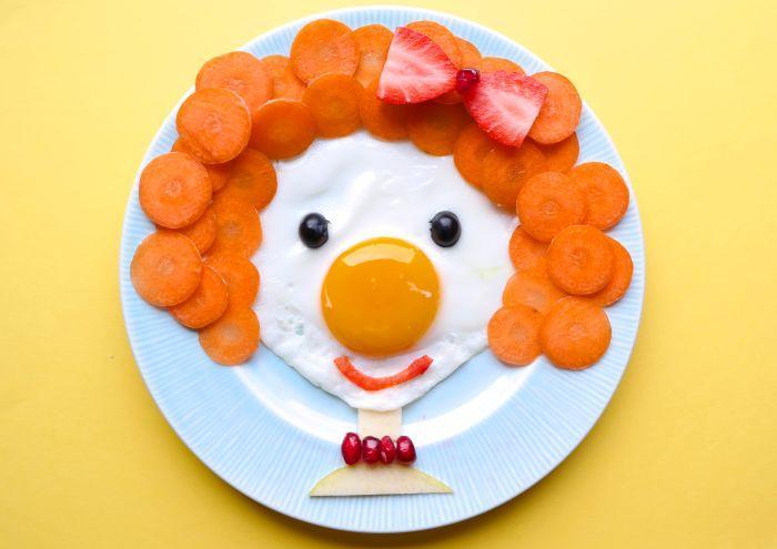 яичница с морковью клоун