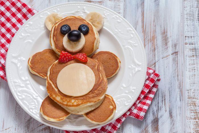 оладьи на завтрак ребенку оригинальная подача