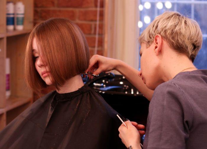 парикмахер жеенщина для женщины