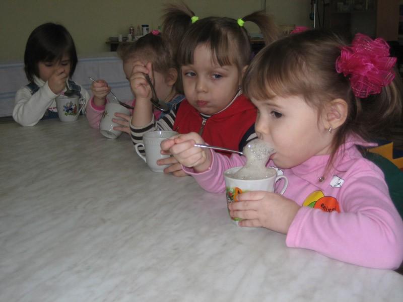 дети любят кислородный коктейль